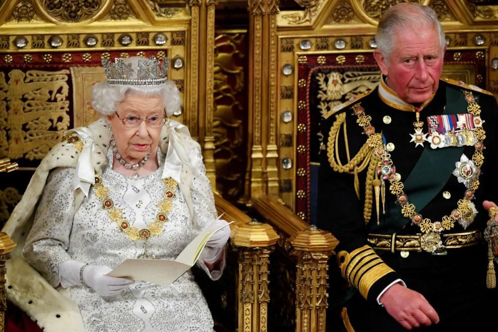 I commenti dei reali inglesi alle accuse di razzismo di Meghan e Harry