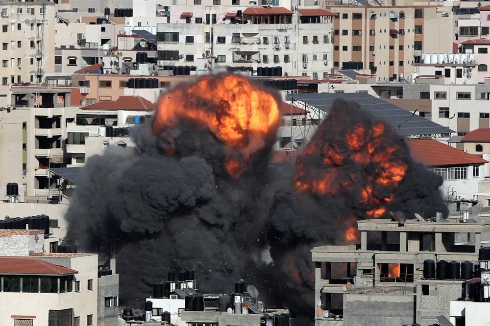 Quinto giorno di bombardamenti su Gaza